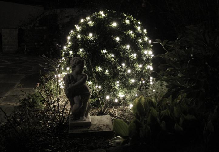 Świąteczna firanka świecąca LED – 3x3 m, zimny biały 128 LED