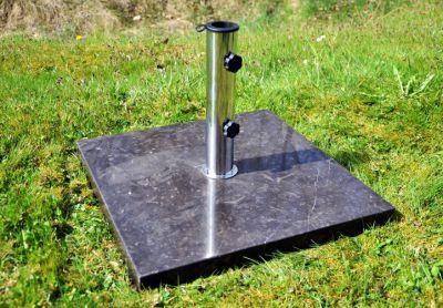 Podstawa Garth z czarnego marmuru i stali nierdzewnej kwadratowa pod parasol 25 kg