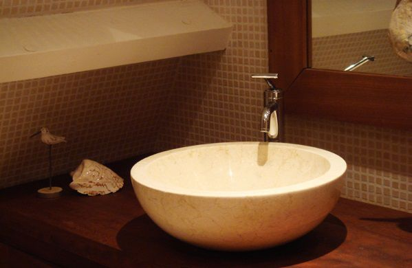 Umywalka z kamienia naturalnego Gemma 501 polerowany marmur Ø40 cm Cream.